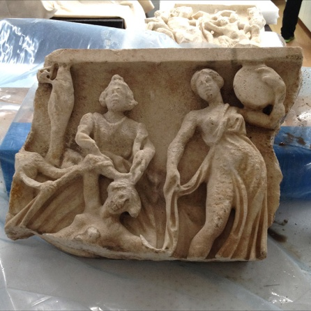 Central piece of the fragment before cleaning.